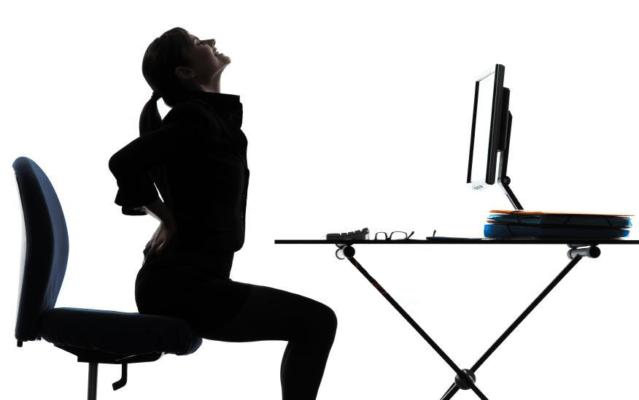 صندلی اداری مناسب افراد با کمر درد