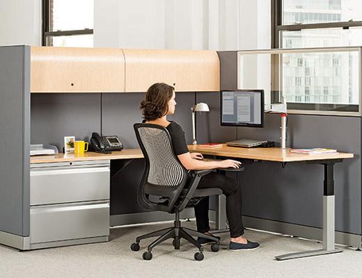 قابلیت تنظیم ارتفاع در صندلی اداری